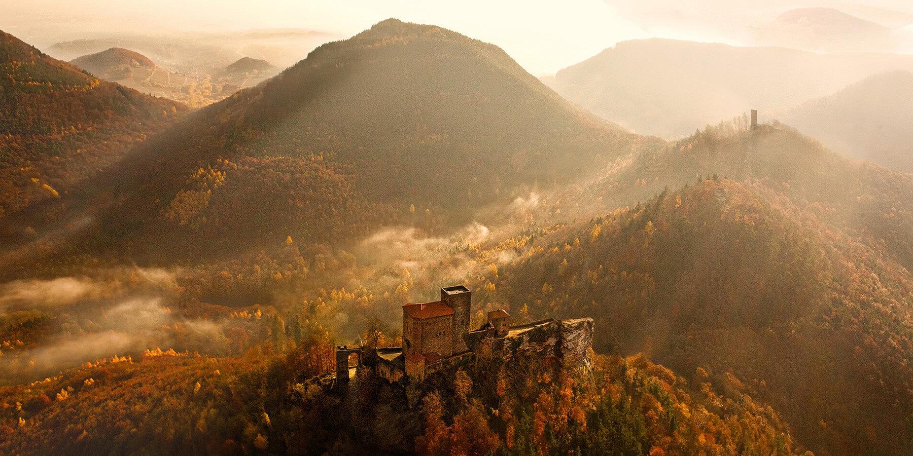 Bild der Burg Trifels im Pfälzer Wald